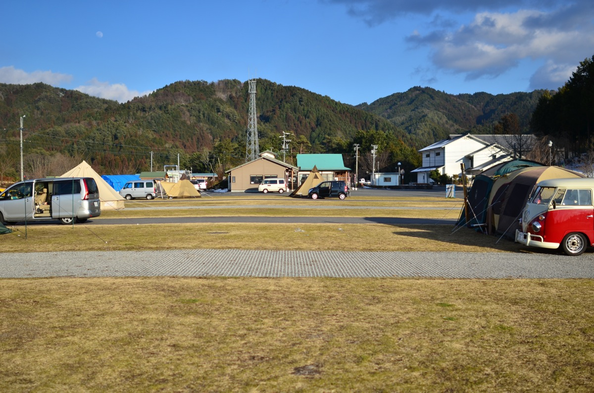 今年の初キャンプ 強風でテント崩壊か!?(その2)